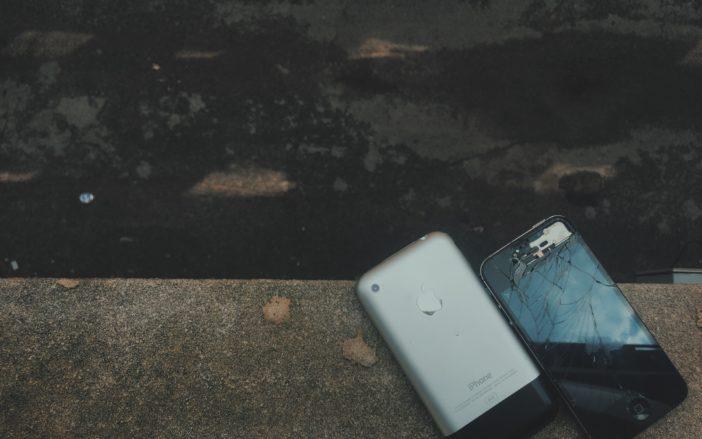 Shattered Iphone Screen Repair Near Me