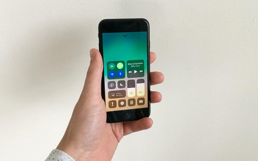 how to get photos onto new iphone from icloud