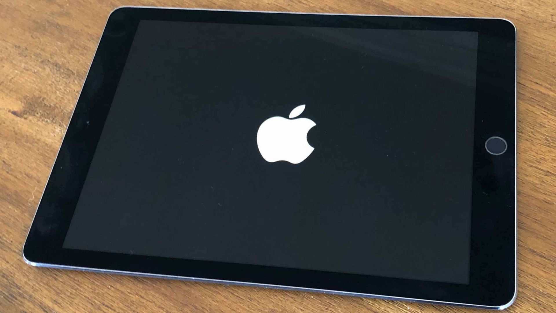iPad Stuck On The Apple Logo? Here's The Real Fix!
